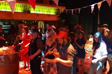 BARN DANCE LINE DANCE INSTRUCTOR